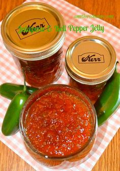 JALAPENO & BELL PEPPER JELLY is a great recipe to take to neighbors and family for a gift, to put in recipes or use on appetizers #jalapeno #jalapenopepper #jelly #homemadejelly #homemadegift #christmasgift #canning #homecanning #peppers #appetizer #dessert #maindish #recipe