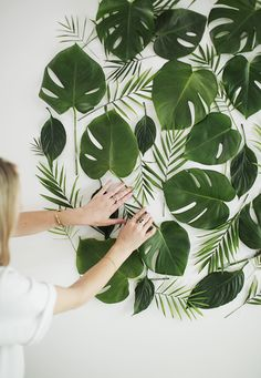 diy leaf backdrop - so pretty that you'll be tempted to keep it up forever
