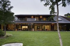 The Peninsula Residence on Lake Austin by Bercy Chen Studio