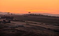 A Toscana tem um pôr do sol incrível.