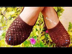 Sueter Clarita -a crochet- Crochet Fabric, Crochet Shoes, Crochet Slippers, Knit Crochet, Right Angle Weave, Crochet Videos, Knitting Socks, Knitting Patterns Free, Sock Shoes