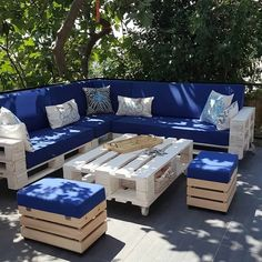 28 Elite Balcony Couch Design ideas With Pallets That Make You Feel Comfortable - Unique Balcony & Garden Decoration and Easy DIY Ideas - Furniture Design Pallet Garden Furniture, Diy Outdoor Furniture, Couch Furniture, Furniture Ideas, Garden Pallet, Outdoor Pallet, Diy Terrasse, Couch Design, Pallet Couch