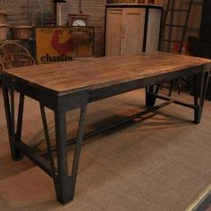 industrial table – love @ Home Design Ideas Industrial Office Design, Industrial Living, Industrial Table, Industrial Furniture, Mesa Metal, Wood And Metal, Casa Retro, Metal Design, Steel Furniture