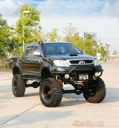 Don't get it dirty Toyota 4x4, Toyota Trucks, Toyota Hilux, Toyota Tacoma, Ford Trucks, Hilux 2017, Carros Toyota, Off Road Adventure, Jeep Truck