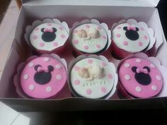 Cupcakes Minnie Mouse Mini Mouse Cupcakes, Girl Cupcakes, Cupcake Cakes, Minnie Mouse, Baking, Desserts, Food, Tailgate Desserts, Deserts