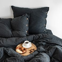 Pillowcase made from very soft jersey in graphite mélange colour. The natural fabric allows the skin to breathe and bed linen is as pleasant to the touch as your beloved t-shirt. Cotton Bedding, Linen Bedding, Couple Bed, Cushions, Pillows, Graphite, Duvet Covers, Pillow Cases, Fabric