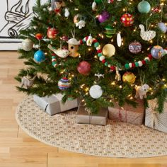 Golden Age Tree Skirt  | The Land of Nod