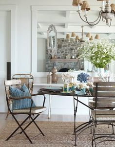 Slim Paley House. Nice alternative seagrass rug. I love this sort of room. #interiors