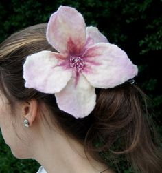 Pink Lily Felted Flower Brooch/ Hair Pin by AnnushkaWoolArt