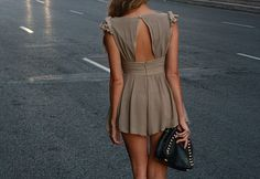 Love the back of this dres