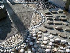 Marymoor Park Reflexology Path - HelloSeattle.com http://www.hellolouisville.com/attractions/marymoor_park_reflexology_path_taking_steps_for_healthy_walking/205341/