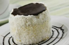 A hólabda az egyik legfinomabb kókuszos süti, amit valaha kóstoltál. A puha tészta, a kellemes, könnyű krém, a csoki és a kókusz együtt igazán nyerő.