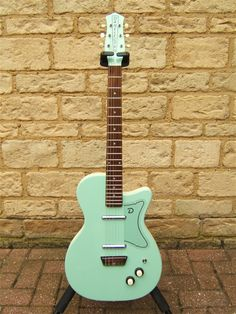 Danelectro U2, I want this in Black