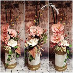 Glass Vase, Table Decorations, Flowers, Furniture, Home Decor, Homemade Home Decor, Floral, Home Furnishings, Interior Design