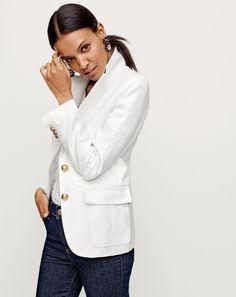 J.Crew women's Rhodes blazer in linen, linen V-neck pocket T-shirt, lookout high-rise jean in Resin wash and daisy tortoise earrings.