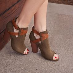 Featured Style: Denene // olive shoes
