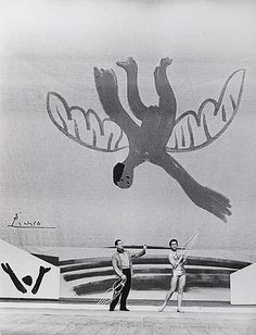 Serge Lifar in the ballet 'Icare' Icare, P.Picasso musique J.Szyfer/ A. Great Works Of Art, Stage Design, Set Design, Scenic Design, Pablo Picasso, Art Forms, Art Photography, Illustration Art, Fine Art