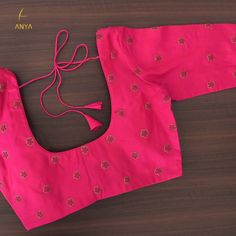 Hand Work Blouse Design, Simple Blouse Designs, Stylish Blouse Design, Wedding Saree Blouse Designs, Pattu Saree Blouse Designs, Mirror Work Blouse, Lehnga Dress, Hand Embroidery, Flower Embroidery