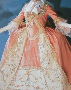 Baroque & Rococo – Past A La Mode: A Historical Fashion Site - Frauenstreet style 18th Century Dress, 18th Century Costume, 18th Century Fashion, Fashion Sites, Fashion Books, Fashion History, Vintage Outfits, Vintage Dresses, Vintage Fashion