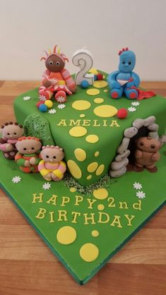 In the night garden cake, from Dolly Train Event and Celebration Cakes Peter Rabbit Cake, Peter Rabbit Party, Birthday Cake Girls, 2nd Birthday Parties, Birthday Ideas, Saffron Cake, Garden Cakes, Night Garden, Celebration Cakes