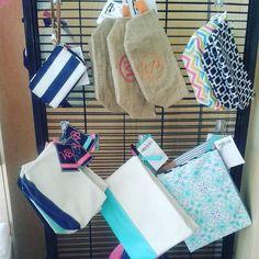 Cosmetics bags. #personalize #personalizado #personalizeit #embroidery #bordado #regalospersonalizados #gift #original #doral #miami #kendall #florida by borda2fl