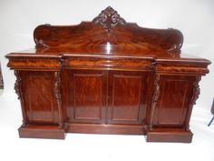 Need fantastic suggestions about kitchens and dining rooms? Head to this fantastic site! Victorian Dining Tables, Elegant Dining Room, Mahogany Sideboard, Bonfire Night, Victorian Art, Antique Shops, Unique Furniture, Country Style, Dining Rooms