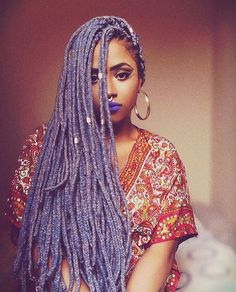 If box braids are your go-to protective style, sooner or later you might find yourself wanting to experiment with color. Here are 30 colored box braids styles. Box Braids Hairstyles, Braids Hairstyles Pictures, My Hairstyle, African Hairstyles, Black Women Hairstyles, Straight Hairstyles, Girl Hairstyles, Short Box Braids, Blonde Box Braids