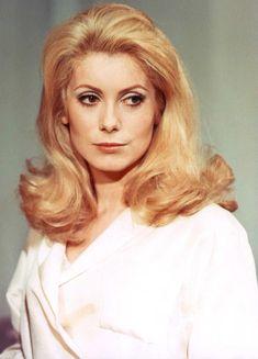 Catherine-Deneuve-1960s-Hairstyle.jpg (730×1014)
