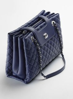 Best Women's Handbags & Bags : Chanel available at Luxury & Vintage Madrid, the world's best selection of contemporary and vintage bags, discover our new arrival ! Chanel Tote, Chanel Chanel, Burberry Handbags, Chanel Handbags, Purses And Handbags, Luxury Bags, Luxury Handbags, Chanel Fashion, Women's Handbags