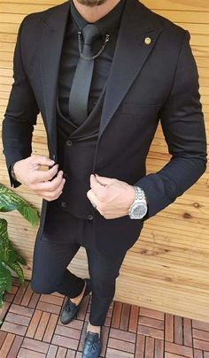 An all black suit is always sexy and in style. You can own this three piece men's suit custom made by Giorgenti New York. It would be perfect for your wedding, business affair or formal event. Indian Men Fashion, Mens Fashion Wear, Suit Fashion, Blazer Outfits Men, Stylish Mens Outfits, All Black Suit, Classy Suits, Designer Suits For Men, Man Dressing Style