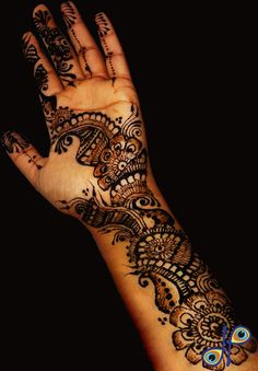 Henna...i want some good henna designs this year