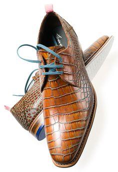 Prachtige congac Floris van Bommel Cognac herenschoen met Crocoprint. Bestel nu: http://www.vanbommelschoenen.nl/herenschoenen/1010201048--floris-van-bommel-14285-01.html#.U0KMvvl_tyw #FlorisvanBommel #Croco