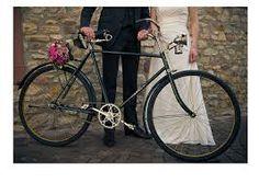 Bildergebnis für hochzeitsbilder mit fahrrad