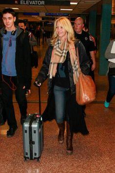 Airport Couture - Lisa Kudrow