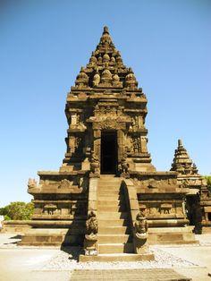 De Prambanan tempel is een must tijdens uw reis in Oost Java.