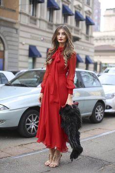 Summer Dresses to Shop Now Summer street style fashion / Fashion week Street Chic, Street Style, Red Street, Dress Skirt, Dress Up, Dress Ootd, Best Summer Dresses, Inspiration Mode, Girly Outfits