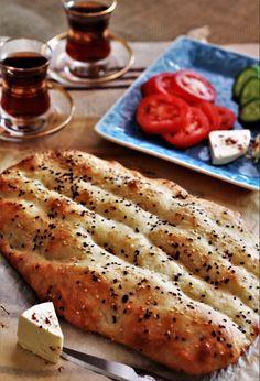 Fruit Tea, Dry Yeast, Feta, Cravings, Iran Food, Brunch, Food And Drink, Persian Calligraphy, Persian Culture