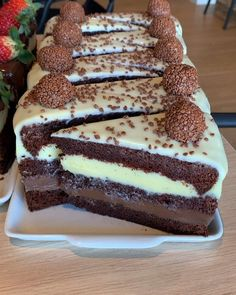 Cake Recipes Chocolate Moist - New ideas Kolaci I Torte, Food Platters, Pound Cake Recipes, Food Goals, Cafe Food, Food Cravings, Yummy Cakes, Dessert Recipes, Oreo Desserts