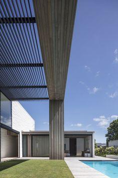 Gallery of Tuatua House / Julian Guthrie - 12