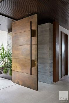 Front door design modern entrance Ideas for 2019 Beautiful Front Doors, Modern Front Door, Front Door Decor, Modern Wood Doors, Wooden Front Door Design, Metal Doors, Wooden Front Doors, Front Door Entry, Dark Front Door