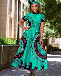 Zanele Dress R800 including Head-Wrap Size