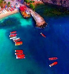 Vista aérea de Bahia de Cata, Aragua, Venezuela es mágica! Drones, Venezuela Beaches, Video Clips, Other Countries, Beautiful Landscapes, South America, Scenery, Country, Water