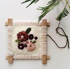 Broderie par Fleur Lyon Learn How To Knit, Crochet Cross, Textile Artists, Rug Hooking, Lyon, Couture, Weaving, Cross Stitch, Textiles