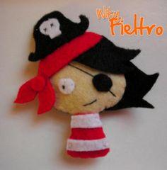 broche de fieltro broche de fieltro. pirata fieltro cosido a mano