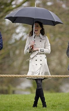 Kate Middleton and trench coats! :D