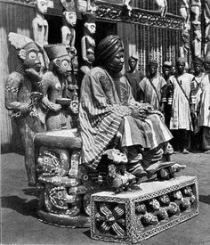 Africa | King Sultan Njoya sitting on his throne, in the highlands of Middle Cameroon. ca. 1914 | ©F. Thorbecke
