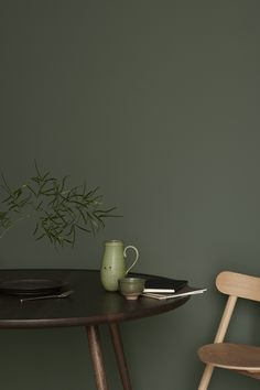 Den perfekte mørke grønntonen!! LADY Pure Color Supermatt 7613 Northern Mystic. Lekker til en MENGDE andre farger, Green Home Decor, Diy Home Decor, Color Inspiration, Interior Inspiration, Old World Kitchens, Interior Design Trends, Milan Furniture, Green Blanket, Swedish Design