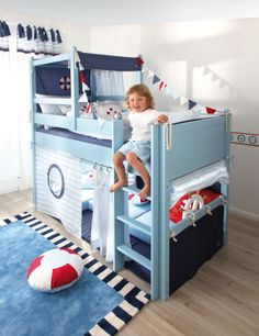 What a very fun toddler bed!