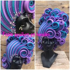 Green/blue mermaid foam wig with pearls, shells, seastars, rhinestones and gold glitter🐚. Carmen Miranda, Mermaid Wig, Mermaid Makeup, Marilyn Monroe, Tiny Tina, Foam Crafts, Diy Crafts, Drag Queen Outfits, Priscilla Queen