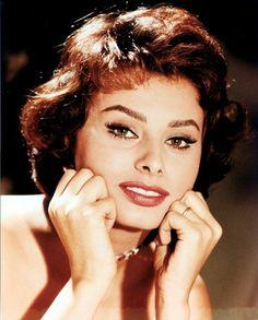 Sophia Loren simple classy makeup short hair